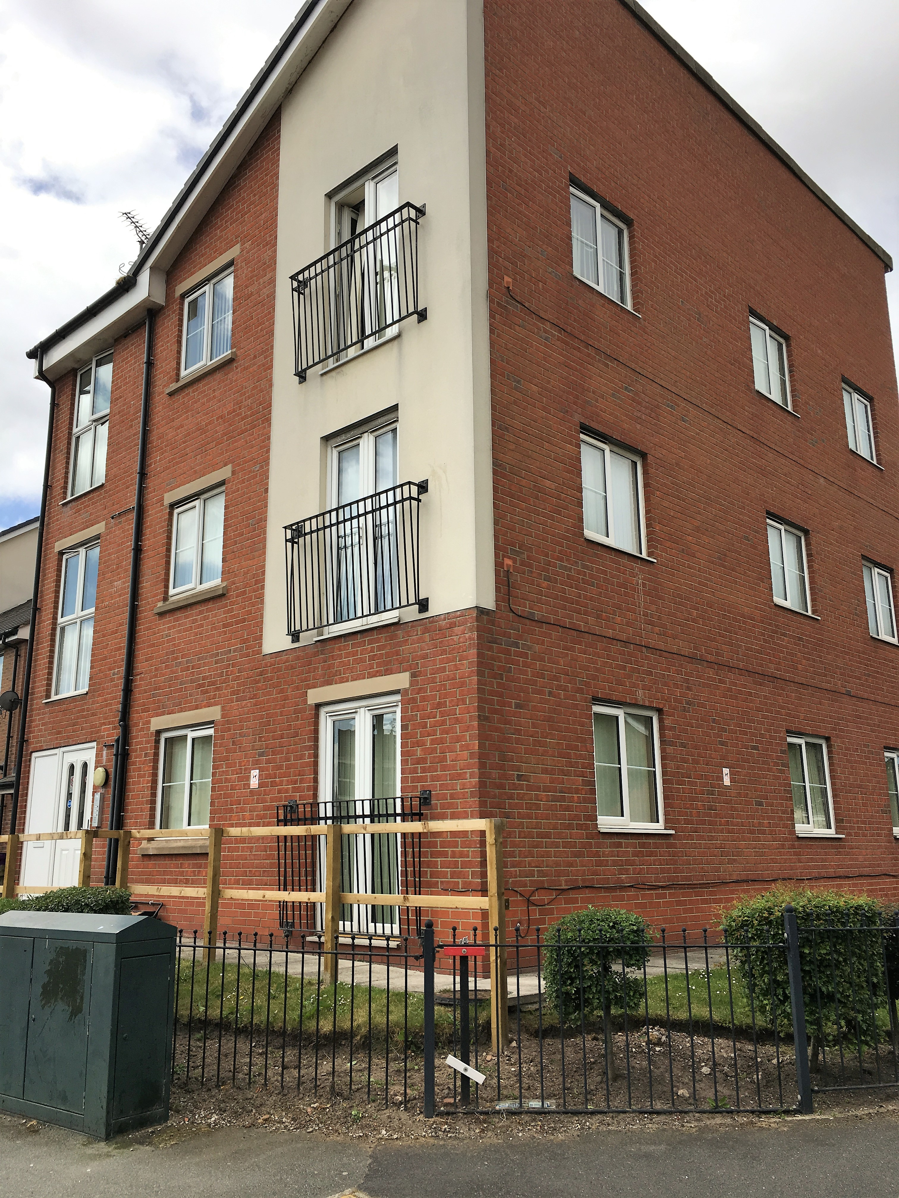 For sale  2 Bed flat Robson Street L5